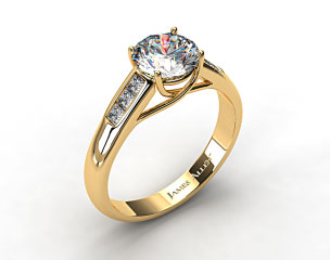 18k Yellow Gold Cross Prong Princess Shaped Diamond Engagement Ring