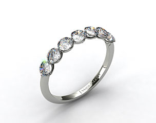 18k White Gold Scalloped Share Prong Wedding Ring